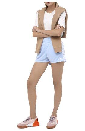 Женские шорты ADIDAS ORIGINALS голубого цвета, арт. FM2611 | Фото 2