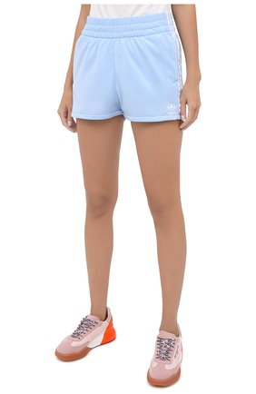 Женские шорты ADIDAS ORIGINALS голубого цвета, арт. FM2611 | Фото 3