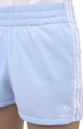 Женские шорты ADIDAS ORIGINALS голубого цвета, арт. FM2611 | Фото 5