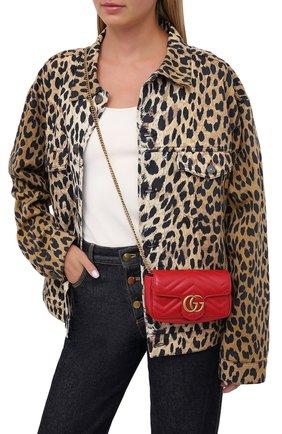 Женская сумка gg marmont super mini GUCCI красного цвета, арт. 476433/DTDCT | Фото 2 (Размер: mini; Ремень/цепочка: На ремешке; Материал: Натуральная кожа; Сумки-технические: Сумки через плечо)