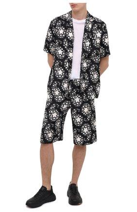 Мужские шелковые шорты GUCCI черно-белого цвета, арт. 624399/ZAENN | Фото 2