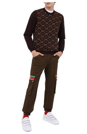 Мужской хлопковые брюки-карго GUCCI коричневого цвета, арт. 623986/XDBA7 | Фото 2