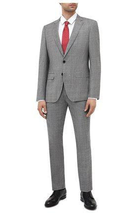 Мужской костюм из шерсти и шелка BOSS серого цвета, арт. 50438553 | Фото 1
