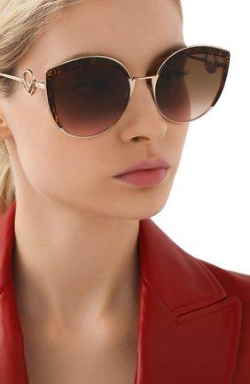 Женские солнцезащитные очки FENDI коричневого цвета, арт. 0290 VH8 | Фото 2