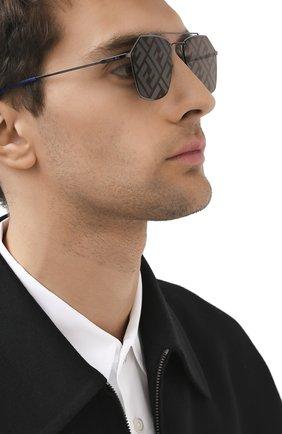 Женские солнцезащитные очки FENDI темно-серого цвета, арт. M0022 5UV | Фото 3