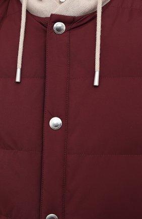 Мужской пуховый жилет BRUNELLO CUCINELLI бордового цвета, арт. MM4593870G | Фото 5 (Кросс-КТ: Куртка, Пуховик; Материал внешний: Синтетический материал; Стили: Гранж; Материал подклада: Синтетический материал; Мужское Кросс-КТ: Верхняя одежда; Длина (верхняя одежда): Короткие; Материал утеплителя: Пух и перо)