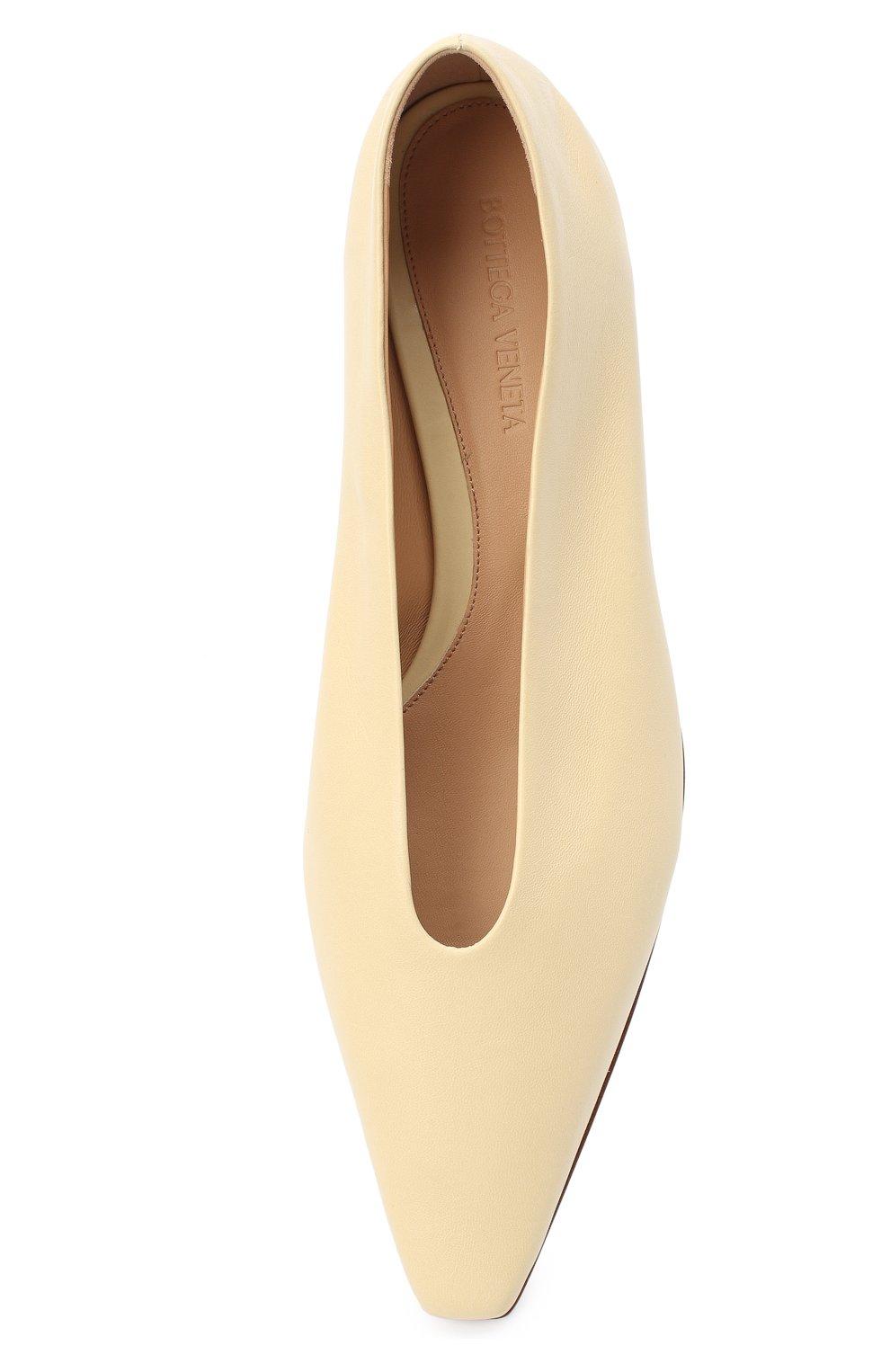 Женские кожаные балетки BOTTEGA VENETA светло-бежевого цвета, арт. 608872/VBSD0 | Фото 5