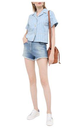 Женские джинсовые шорты GUCCI голубого цвета, арт. 502779/XDBAC | Фото 2