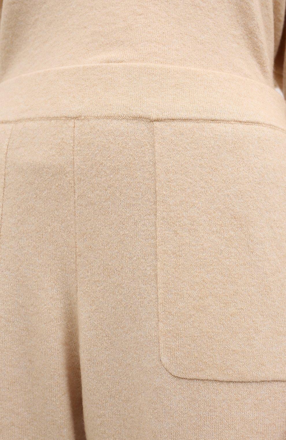 Женские джоггеры ALLUDE бежевого цвета, арт. 205/65023 | Фото 5 (Материал внешний: Шерсть, Синтетический материал; Длина (брюки, джинсы): Стандартные; Женское Кросс-КТ: Брюки-одежда, Джоггеры - брюки; Силуэт Ж (брюки и джинсы): Джоггеры; Кросс-КТ: Трикотаж)