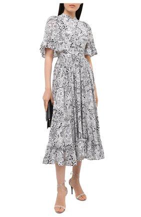 Женское шелковое платье ALEXANDER MCQUEEN черно-белого цвета, арт. 632201/QCABX | Фото 2 (Материал внешний: Шелк; Материал подклада: Синтетический материал; Длина Ж (юбки, платья, шорты): Миди; Рукава: 3/4; Женское Кросс-КТ: Платье-одежда; Случай: Повседневный)