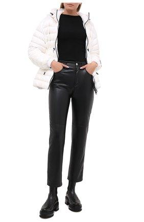 Женская пуховая куртка BURBERRY белого цвета, арт. 8031336 | Фото 2