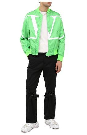 Мужской бомбер VALENTINO зеленого цвета, арт. UV3CIF156G9 | Фото 2