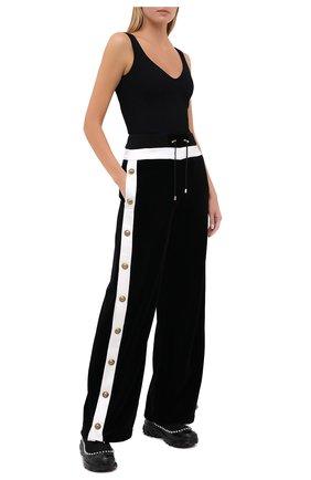 Женские хлопковые брюки BALMAIN черно-белого цвета, арт. UF15362/J076   Фото 2