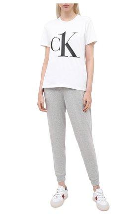 Женская хлопковая футболка CALVIN KLEIN белого цвета, арт. QS6436E   Фото 2