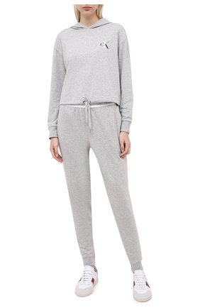 Женские хлопковые брюки CALVIN KLEIN серого цвета, арт. QS6429E | Фото 2