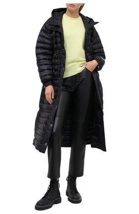 Женский пуховик BURBERRY черного цвета, арт. 8028666   Фото 2