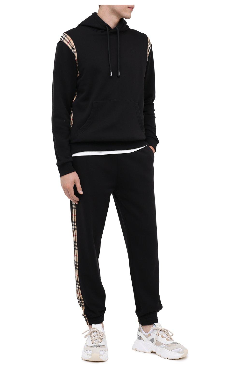 Мужские хлопковые джоггеры BURBERRY черного цвета, арт. 8026273 | Фото 2 (Мужское Кросс-КТ: Брюки-трикотаж; Длина (брюки, джинсы): Стандартные; Материал внешний: Хлопок; Стили: Спорт-шик; Силуэт М (брюки): Джоггеры)