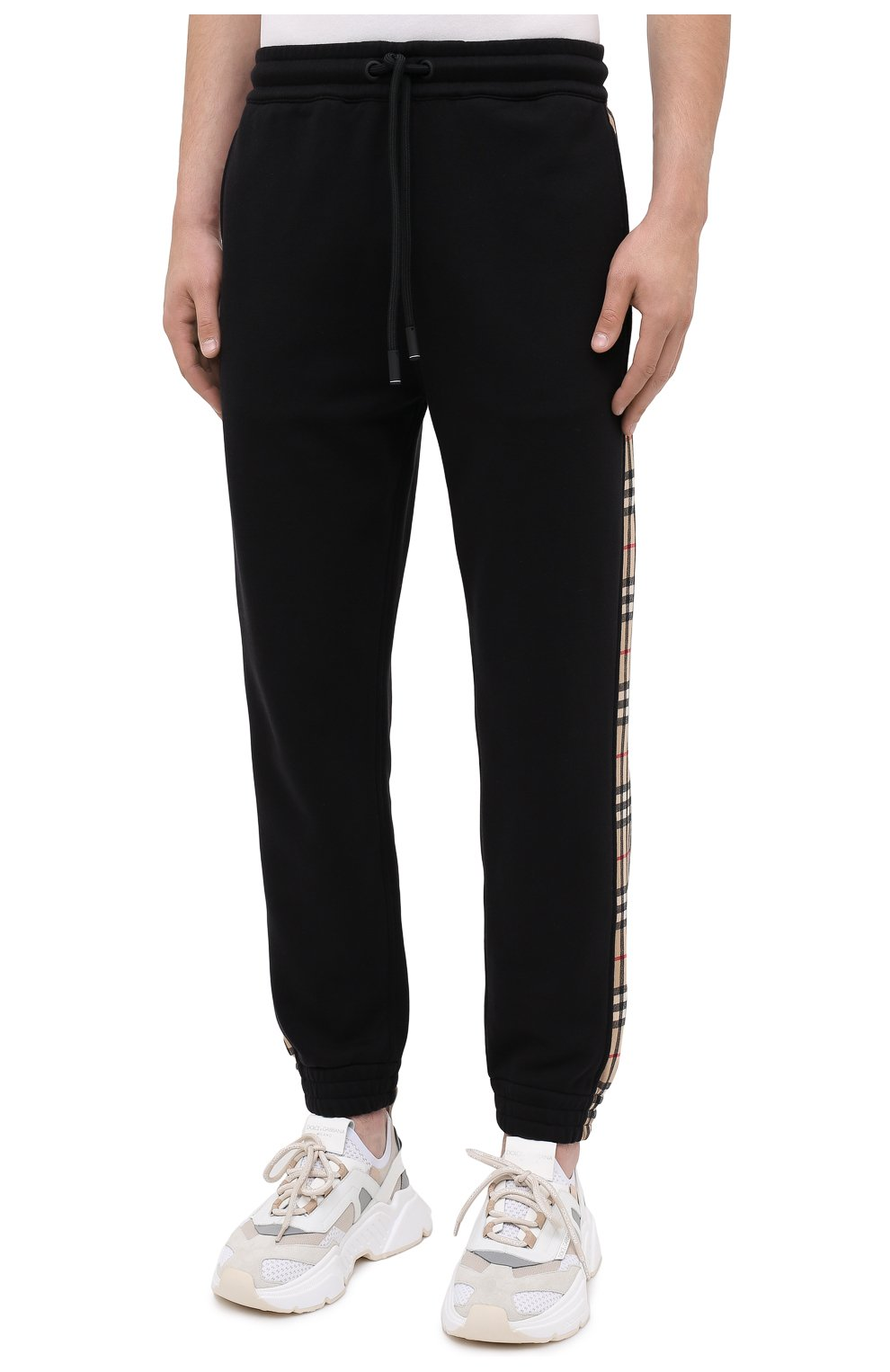 Мужские хлопковые джоггеры BURBERRY черного цвета, арт. 8026273 | Фото 3 (Мужское Кросс-КТ: Брюки-трикотаж; Длина (брюки, джинсы): Стандартные; Материал внешний: Хлопок; Стили: Спорт-шик; Силуэт М (брюки): Джоггеры)