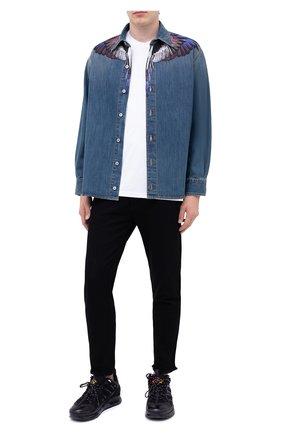 Мужская джинсовая рубашка MARCELO BURLON голубого цвета, арт. CMYD011F20DEN001 | Фото 2
