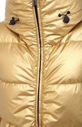 Женский пуховик ADD золотого цвета, арт. 2AWAM30 | Фото 5 (Рукава: Длинные; Материал внешний: Синтетический материал; Кросс-КТ: Пуховик; Материал подклада: Синтетический материал; Длина (верхняя одежда): Короткие)
