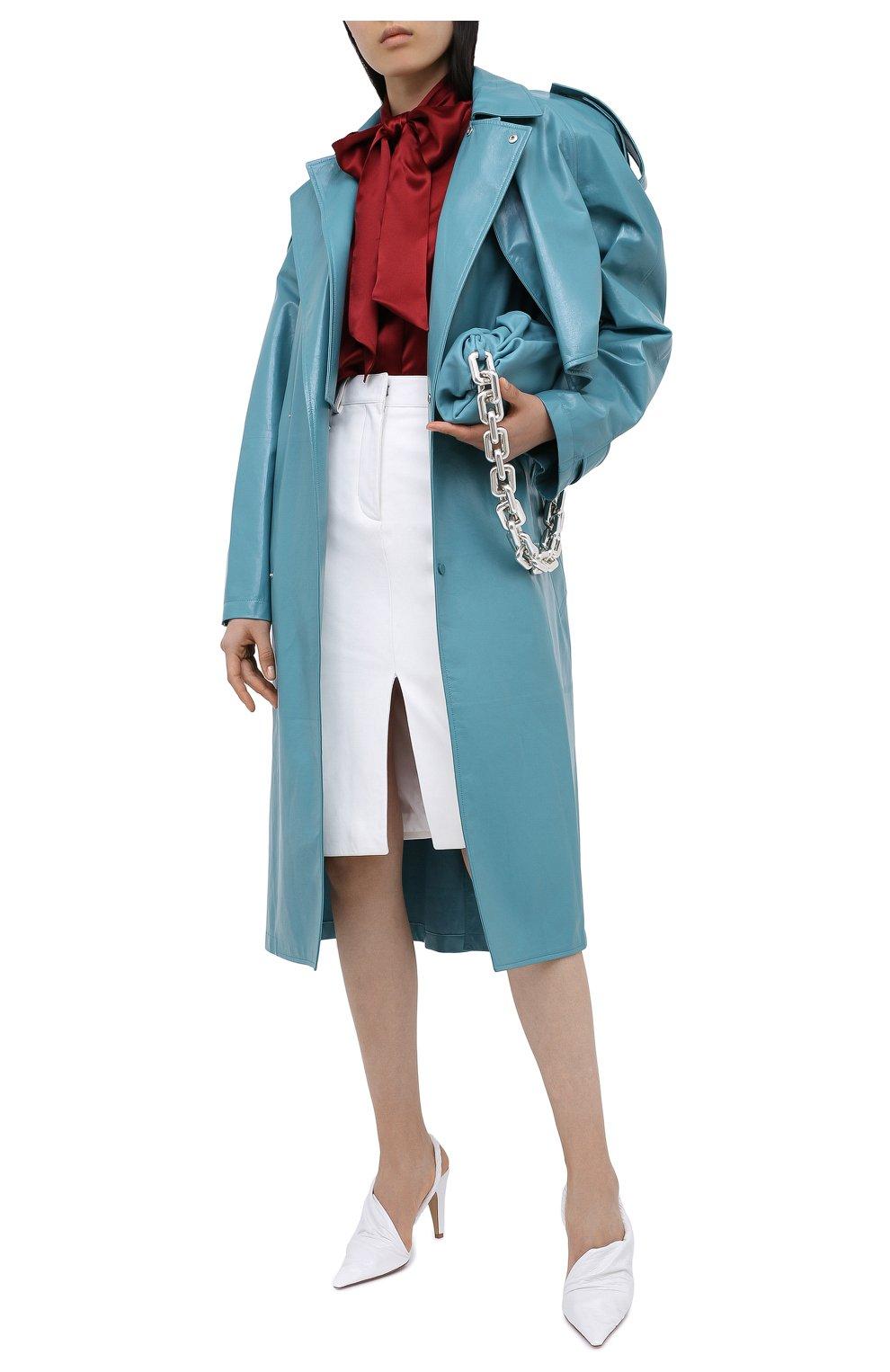 Женская шелковая блузка SAINT LAURENT красного цвета, арт. 635897/Y2B43   Фото 2 (Материал внешний: Шелк; Рукава: Длинные; Принт: Без принта; Длина (для топов): Стандартные; Женское Кросс-КТ: Блуза-одежда)