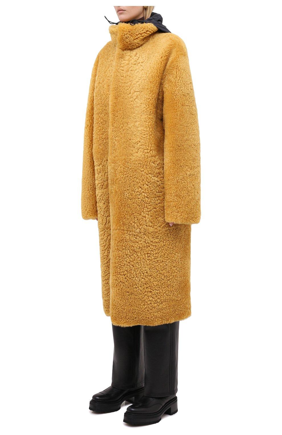 Женская шуба из овчины BOTTEGA VENETA желтого цвета, арт. 630407/VKV70 | Фото 3