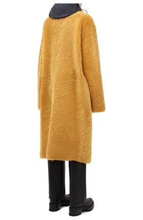 Женская шуба из овчины BOTTEGA VENETA желтого цвета, арт. 630407/VKV70 | Фото 4