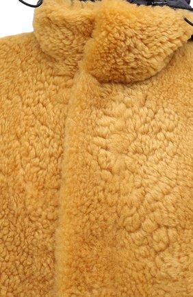 Женская шуба из овчины BOTTEGA VENETA желтого цвета, арт. 630407/VKV70 | Фото 5