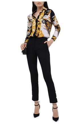 Женские шерстяные брюки VERSACE черного цвета, арт. A87138/A226027   Фото 2 (Длина (брюки, джинсы): Стандартные; Материал внешний: Шерсть; Женское Кросс-КТ: Брюки-одежда; Случай: Формальный; Силуэт Ж (брюки и джинсы): Прямые)