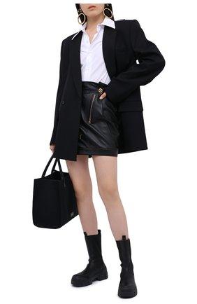 Женская кожаная юбка VERSACE черного цвета, арт. A87443/A210037 | Фото 3
