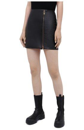 Женская кожаная юбка VERSACE черного цвета, арт. A87222/A234801 | Фото 4
