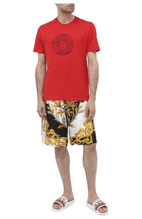 Мужские кожаные шлепанцы GUCCI белого цвета, арт. 630606/DIR00 | Фото 2