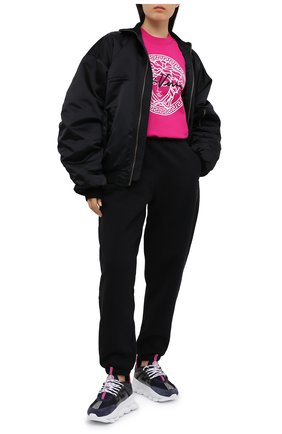 Женская хлопковый свитшот VERSACE фуксия цвета, арт. A87516/A231242 | Фото 2