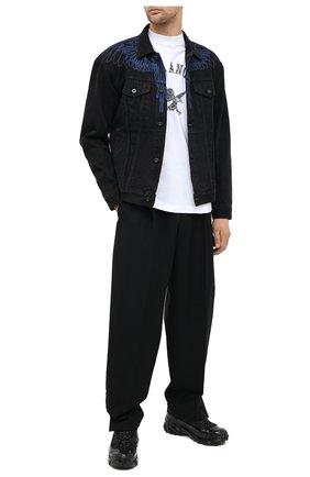 Мужская джинсовая куртка MARCELO BURLON черного цвета, арт. CMYE001E20DEN003 | Фото 2