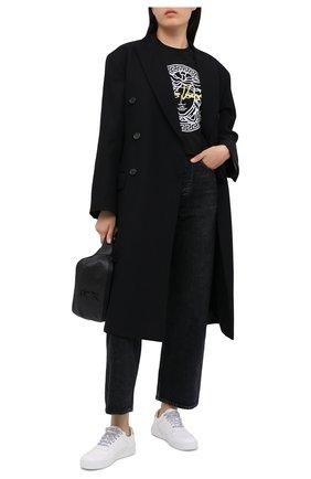 Женская хлопковая футболка VERSACE черного цвета, арт. A87456/A228806   Фото 2 (Длина (для топов): Стандартные; Материал внешний: Хлопок; Рукава: Короткие; Женское Кросс-КТ: Футболка-одежда; Стили: Кэжуэл, Гламурный; Принт: С принтом)
