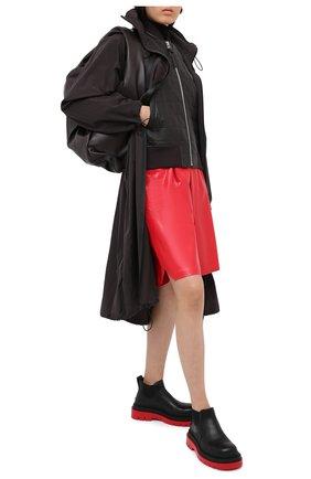 Женский кожаный бомбер BOTTEGA VENETA темно-коричневого цвета, арт. 632541/VKWU0 | Фото 2
