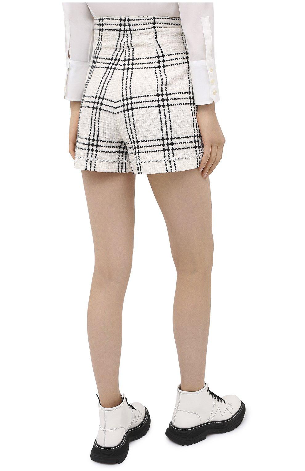 Женские хлопковые шорты MSGM разноцветного цвета, арт. 2943MDB02X 207606 | Фото 4 (Женское Кросс-КТ: Шорты-одежда; Длина Ж (юбки, платья, шорты): Мини; Стили: Преппи, Кэжуэл; Материал внешний: Хлопок)