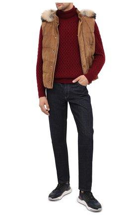 Мужской кашемировый свитер KITON красного цвета, арт. UK1205 | Фото 2 (Длина (для топов): Стандартные; Материал внешний: Шерсть; Рукава: Длинные; Принт: Без принта; Стили: Кэжуэл)