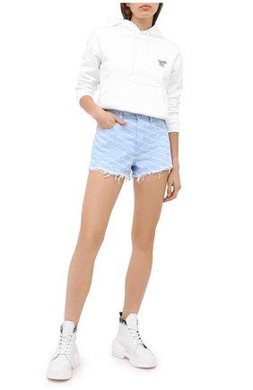 Женские джинсовые шорты DENIM X ALEXANDER WANG голубого цвета, арт. 4DC2204782   Фото 2