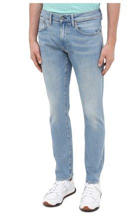 Мужские джинсы POLO RALPH LAUREN голубого цвета, арт. 710803626 | Фото 3