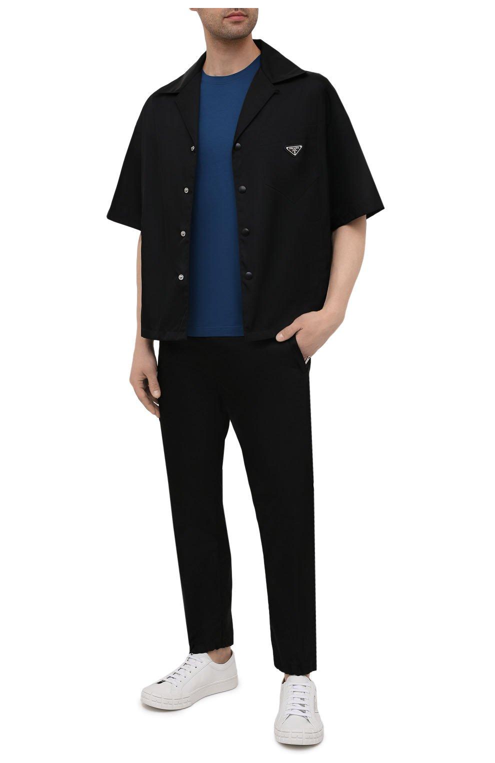 Мужская хлопковая футболка PRADA синего цвета, арт. UJM564-1UOR-F0AFC-092   Фото 2 (Принт: Без принта; Рукава: Короткие; Длина (для топов): Стандартные; Материал внешний: Хлопок; Стили: Кэжуэл)