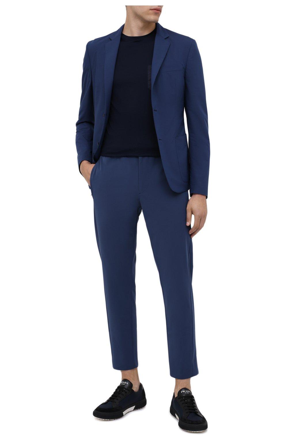 Мужские брюки PRADA синего цвета, арт. SPF94-1KJW-F0YNV-191   Фото 2 (Длина (брюки, джинсы): Стандартные; Случай: Повседневный; Материал внешний: Синтетический материал; Стили: Кэжуэл)