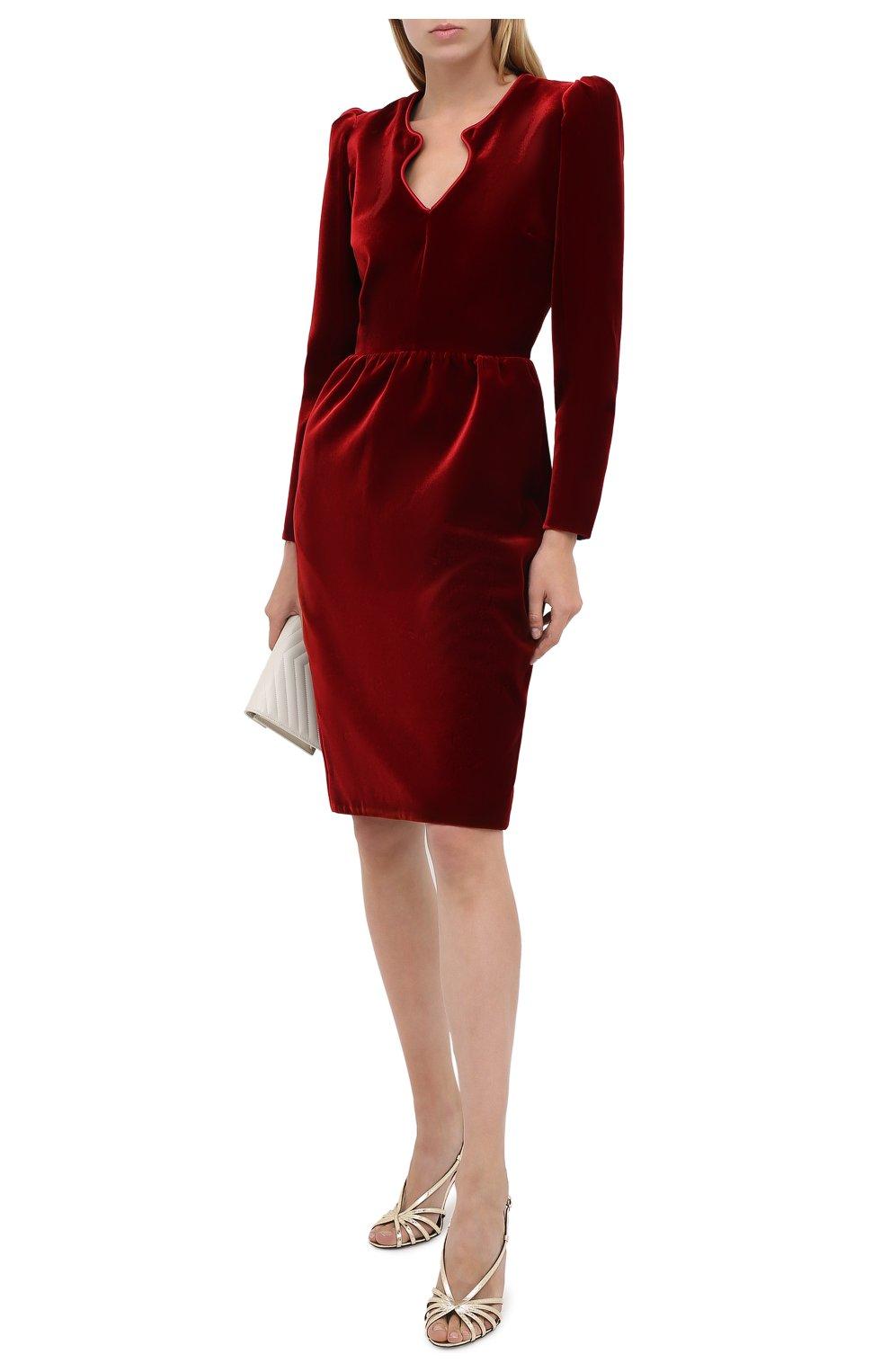 Женское бархатное платье SAINT LAURENT красного цвета, арт. 633528/Y525R   Фото 2 (Случай: Коктейльный; Материал внешний: Купро, Вискоза; Рукава: Длинные; Женское Кросс-КТ: платье-футляр, Платье-одежда; Длина Ж (юбки, платья, шорты): До колена; Материал подклада: Шелк)