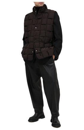 Мужской пуховый жилет BOTTEGA VENETA темно-коричневого цвета, арт. 644982/VF4K0 | Фото 2
