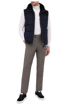 Мужской кашемировый жилет с меховой отделкой ANDREA CAMPAGNA темно-синего цвета, арт. 94101H9IS2900 | Фото 2 (Материал внешний: Шерсть, Кашемир; Материал подклада: Шелк; Длина (верхняя одежда): Короткие; Мужское Кросс-КТ: Верхняя одежда; Стили: Кэжуэл; Кросс-КТ: Пуховик, Куртка)