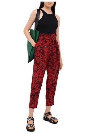 Женские шелковые брюки REDVALENTINO красного цвета, арт. UR3RBC95/56A | Фото 2