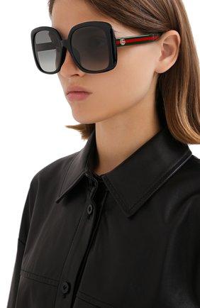 Женские солнцезащитные очки GUCCI черного цвета, арт. GG0714SA 001 | Фото 2