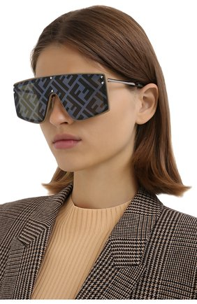 Женские солнцезащитные очки FENDI темно-серого цвета, арт. M0076/G 10A   Фото 2