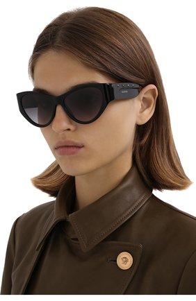 Женские солнцезащитные очки VALENTINO черного цвета, арт. 4071-50018G | Фото 2 (Тип очков: С/з; Оптика Гендер: оптика-женское; Очки форма: Cat-eye)