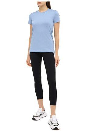 Женская хлопковая футболка MONCLER голубого цвета, арт. F2-093-8C732-00-V8058 | Фото 2